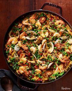 17 One-Skillet Meals for Lazy Nights - Paella Rezepte Easy Dinner Party Recipes, Sunday Dinner Recipes, Dinner Ideas, Birthday Dinner Recipes, Sunday Dinners, Birthday Dinners, Easy Recipes, Vegan Recipes, Easy Sunday Dinner