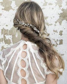 Long Wedding Hairstyles via Vanessa Barney hair / http://www.himisspuff.com/vanessa-barney-wedding-hairstyles/9/