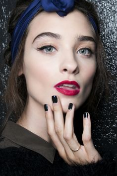 Manicure: trendy wiosna-lato 2014, Alexis Mabille, fot. Imaxtree