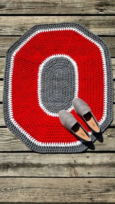Check out this item in my Etsy shop https://www.etsy.com/listing/242538728/ohio-state-rug-ohio-state-crochet-rug