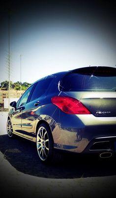 Fã: Luis Alexandre Esperanço. Os fãs portugueses continuam a partilhar sessões fotográficas com as estrelas Peugeot! É para nós um motivo de #Orgulho!  Também tem fotos do seu Peugeot que queira partilhar? Envie-nos ou partilhe aqui directamente com todos os fãs e nós adicionamos ao álbum. #OrgulhoPeugeot #PeugeotFanDays — at Portugal.