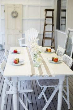 Google Image Result for http://www.abeachcottage.com/wp-content/uploads/2011/11/beach-cottage-coastal-decor-style-416x625.jpg