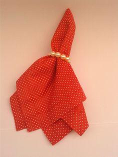 Guardanapo em tricoline 100% algodão e feito com canto mitrado. <br> <br>Medidas: 0,42 cm x 0,42 cm