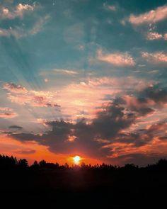 Sky aesthetic sky photography sunset pretty sky L e l i a L' a r t Sunset Painting Easy, Sunset Art, Sunset Colors, Beach Sunset Photography, Landscape Photography, Nature Photography, Photography Poses, Sunset Quotes Beautiful, Beautiful Sunset