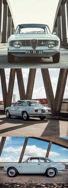 1966 Alfa Romeo Giulia Sprint / Italy / blue