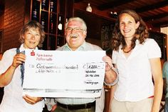"""Aus dem """"Schwarzwaldboten"""" 2013:  1200 Euro sind bei einer Benefizveranstaltung der Theatergruppe des TSV Meßstetten"""