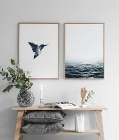 Find inspiration for creating a picture wall of posters and art prints. Endless inspiration for gallery walls and inspiring decor. Create a gallery wall with framed art from Desenio. Coastal Entryway, Coastal Decor, Entryway Ideas, Entryway Art, Coastal Interior, Coastal Rugs, Coastal Furniture, Room Inspiration, Interior Inspiration
