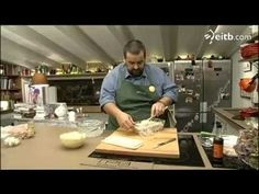 David de Jorge cocina pastel de canapés en Robin Food - YouTube