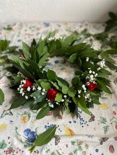 Laura Lee, Love Cake, Christmas Wreaths, Graduation, Bouquet, Gift Wrapping, Holiday Decor, Gifts, Gift Wrapping Paper