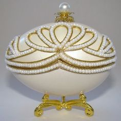 Boite à bijoux oeuf en coquille inspiration Faberge