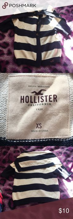 Hollister shall/sweater/jacket Great condition! No stains or holes. No missing buttons. Hollister Sweaters
