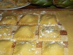 Discover recipes, home ideas, style inspiration and other ideas to try. Ravioli Lasagna Bake, Ravioli Soup, Chicken Ravioli, Zucchini Ravioli, Spinach Ravioli, Butternut Squash Ravioli, Ravioli Dough Recipe, Crockpot Ravioli, Homemade Ravioli