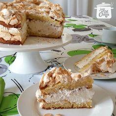 Oma's German Blitz Torte http://www.quick-german-recipes.com/german-blitz-torte-recipe.html is a 'lightning-fast' cake to make. ❤️it!  it! Make it! Enjoy it!