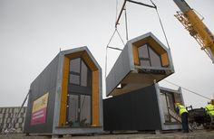 This is a foldable prefab A-frame cabin design by MADI Homes in Italy. Prefab Cabins, Prefab Homes, Tiny Homes, Prefab Tiny Houses, Small Houses, Modular Housing, Modular Homes, Cabin Design, Tiny House Design