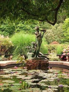 The English Gardenu0027s Burnett Fountain Depicting Dickon And Mary From  Francis Hodgson Burnettu0027s Book U201cThe Secret Gardenu201d Conservatory Garden,  Central Park, ...
