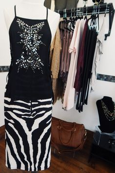 sequined top/printed pencil skirt