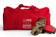 Man Invents a Shoe That Grows (to Help Barefoot Kids) Barefoot Kids, Kids Around The World, Children In Need, 5 Kids, Helping Children, Kids Growing Up, Event Themes, Geek Chic, Duffel Bag