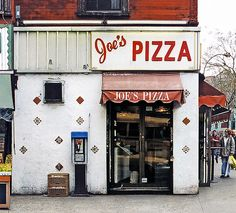 The Urban Lens: Documenting Gentrification's Toll on the Mom-and-Pops of Greenwich Village Pizza Store, Joe's Pizza, Pizza Logo, Pizza King, Pizza Restaurant, Restaurant Design, Café Bistro, Pizza Branding, New York Pizza