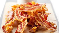 Processed meats, including bacon (sorry!), are cancer hazards, WHO says — and red meat probably is too Dinner Side Dishes, Dinner Sides, Bacon, Chips, Banting, Berries, Yummy Food, Beef, Make It Yourself