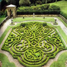 Parterres are hedges or dense bushes arranged in patterns in Renaissance gardens. French Renaissance rooms often faced out to these gardens. Topiary Garden, Garden Art, Formal Gardens, Outdoor Gardens, Modern Gardens, Japanese Gardens, Small Gardens, Landscape Architecture, Landscape Design