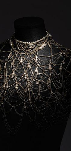 Costume jewelry - Paris in Rome 2015/16 Métiers d'Art - CHANEL
