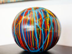 Pintura acrílica em objeto cerâmico