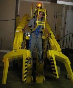 Life-Sized Aliens Power Loader Costume is Frighteningly Realistic #geeky trendhunter.com