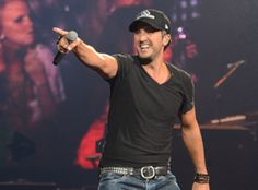 I was just at luke Bryan's concert august 23rd. And cole swindell and lee Brice :) Luke Bryan Pointing At Things - Country Girl Blog