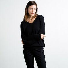 Capsule Wardrobe!  The Slouchy V-Neck Black