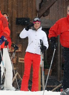 Prince William and girlfriend Kate Middleton vacation in the French Alps with Kate's sister Pippa and some friends. March 2010
