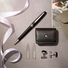 Accessories. We think the best thing about achieving success is sharing it with others. Gifts of the finest craftsmanship. #Montblanc #Accessories #UnboxtheMagicOfCraft