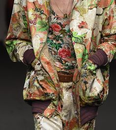 patternprints journal: PRINTS, PATTERNS, TEXTURES AND TEXTILE SURFACES FROM MENSWEAR S/S 2016 COLLECTIONS / MILANO CATWALKS Vivienne Westwood.