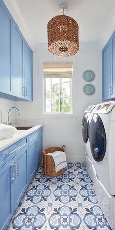 Design Living Room, Laundry Room Design, Laundry Room Colors, Blue Laundry Rooms, Laundry Room Tile, Miller House, White Beach Houses, Home Modern, Interior Modern