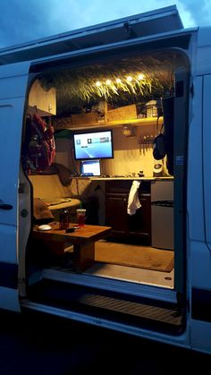 30 Amazing Image of Minivan Camper Conversions To Inspire Your Build & Adventure. After you have decided which motorhome or caravan you wish to utilize for your holidays, it's ideal to request a reservation. Though the motorhome isn. Mini Motorhome, Kombi Motorhome, Minivan Camper Conversion, Sprinter Van Conversion, Sprinter Camper, Auto Volkswagen, Vw Bus, Camping Con Glamour, Ducato Camper