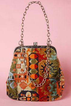 Vintage 1960's Tapestry Carpet Bag http://thriftedandmodern.com/vintage-1960s-tapestry-bag