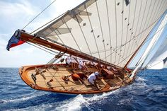 Segelurlaub an der Mittelmeer-Riviera - Yacht Boutique, Classic Sailing, Classic Yachts, Sailing Holidays, Sailing Adventures, Wood Boats, Yacht Boat, Sail Away, Tall Ships, Water Crafts