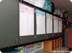 Daily 5 Anchor Charts: Have anchor charts ready to fill out with your students before school begins. Daily 5 Reading, 3rd Grade Reading, Teaching Reading, Guided Reading, Learning, 3rd Grade Classroom, School Classroom, Classroom Ideas, Classroom Pictures