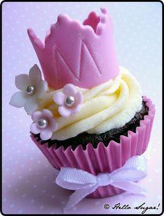 cupcakesandhappiness  princess crown cupcake