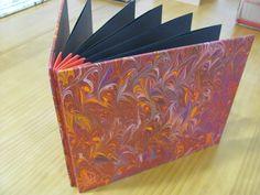 Estúdio Lupi - Brasília/DF - Álbum com encadernação Blizzard Book - revestimento em papel marmorizado no próprio estúdio.
