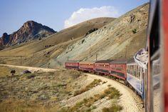 Train, Turkey  Train going around the bend between Erzincan and Divrigi.
