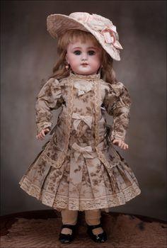 "16"" Antique French DEP doll, c.1905 Antique dolls at Respectfulbear.com"