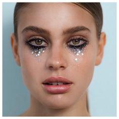 Made of ! Totally digging these new star . … – Makeup - Make UP Glitter Eye Makeup, Eye Makeup Art, Fairy Makeup, Witch Makeup, Halloween Makeup Glitter, Mermaid Makeup, Clown Makeup, Makeup Geek, Gem Makeup