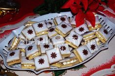 Mandlové čtverečky s likérovou polevou Christmas Sweets, Christmas Baking, Christmas Cookies, Biscotti Cookies, Graham Crackers, Recipe Box, Waffles, Food And Drink, Cooking Recipes