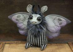 Amanda Louise Spayd – Death's Head Moth