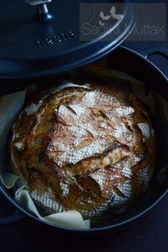 Döküm Tencerede Ekşi Mayalı Ekmek – Sağlıklı Mutfak