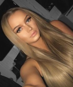 Straight blonde hair will instantly transform you into a goddess