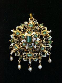 Pendant | Hungarian, | 17th century | Gold, enamel, emerald and natural pearl © Hungarian National Museum | Budapest