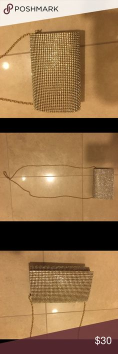Fun sparkly purse Sparkly purse for fun occasions. Gold colored chain. Only used once. Bags Mini Bags
