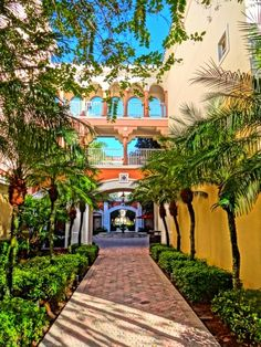 Marriott's Grande Vista Courtyard!