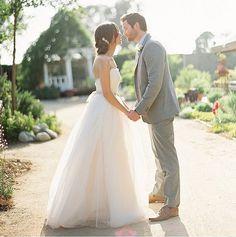 Mara Ferreira des Blogs M Loves M hatte sich in dieses feminine, | Die 17 atemberaubendsten Hochzeitskleider der coolsten Modeblogger | POPSUGAR Deutschland Mode